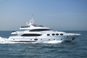 Rentyacht_Majesty125ft